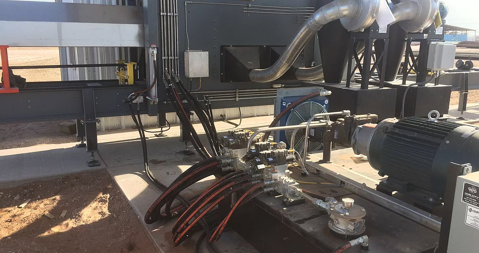 Enclosed Pipe Cleaning Machine